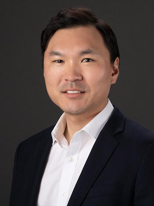 Dr Andrew Baek